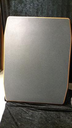 Billede af Bordplade - grå med sorte nister. 68 x 88 cm (Brugt)